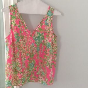 Lilly Pulitzer Tops - Lilly Pulitzer tank top size lg nwot